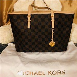 *Authentic* Michael Kors Jet Set Travel Bag